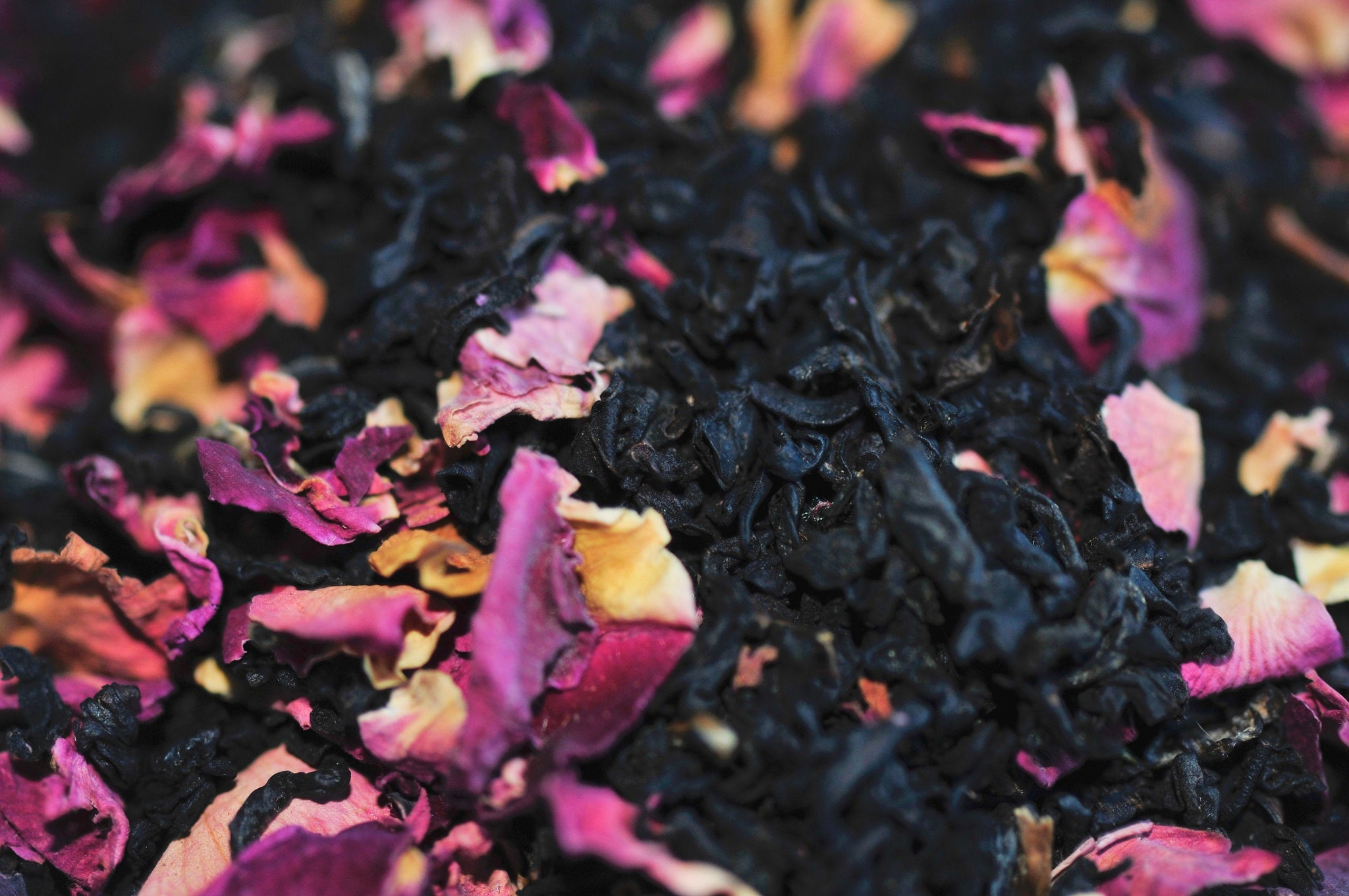 QUEEN OF ROSES tea | Black Tea, Rose Petals, Vanilla
