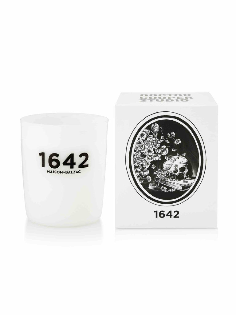 Maison_Balzac_1642_Violet_Blackberry_Cedarwood_Candle