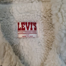Load image into Gallery viewer, 80's Levi's 706090227 Denim Jacket