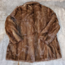 Load image into Gallery viewer, Mink Fur Coat