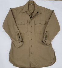 Load image into Gallery viewer, 40's Military Wool Flannel Shirt Size 15 32