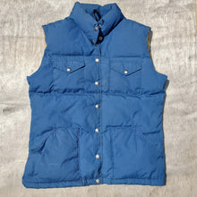 Load image into Gallery viewer, 70's North Face Vest Size Women's Large