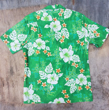 Load image into Gallery viewer, Green Floral Hawaiin Shirt in a Medium