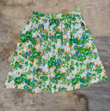 Load image into Gallery viewer, Textured Floral Skirt