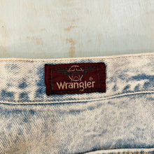 Load image into Gallery viewer, Wrangler Acid Wash Jeans