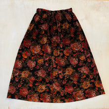 Load image into Gallery viewer, Floral Velvet Skirt