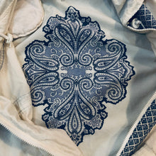 Load image into Gallery viewer, Paisley Patterned Nylon Jacket