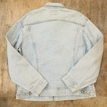 Load image into Gallery viewer, 90's Lee Light Denim Jacket