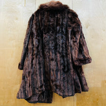 Load image into Gallery viewer, Scruff Collar Fur Coat