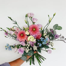 Load image into Gallery viewer, M Bouquet