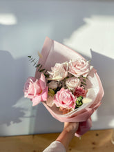 Load image into Gallery viewer, Blush Bouquets