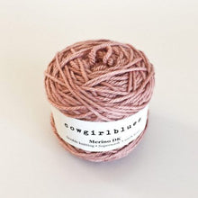 Lataa kuva Galleria-katseluun, Cowgirl Blues Merino DK Solids Faded Rose
