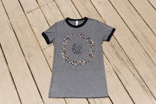 Load image into Gallery viewer, Hyper Ringer Tee Women - Wild Safari
