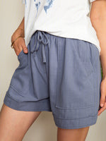 Casual loose shorts