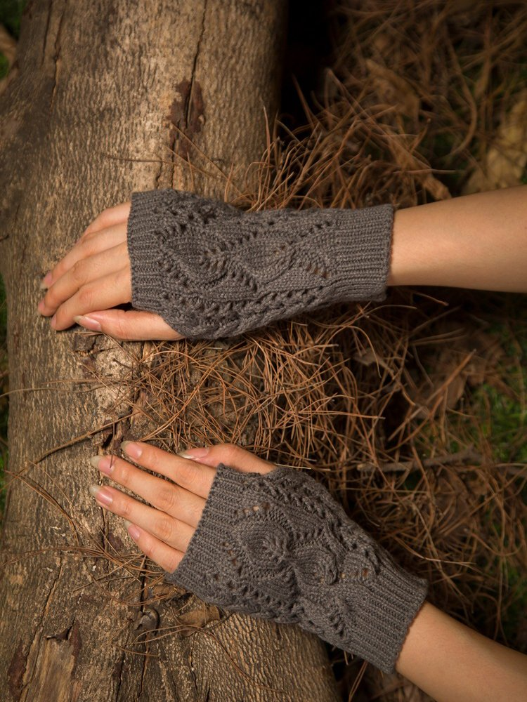 Solid Casual Cutout Gloves & Mittens