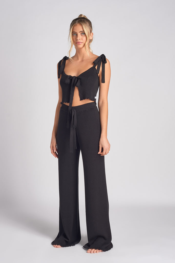 BLACK LETTUCE EDGE RIB KNIT TIE FRONT CAMI TOP