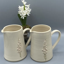 Load image into Gallery viewer, Hogben Cream Fox Gloves Jug