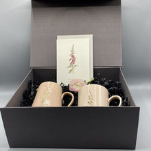 Load image into Gallery viewer, Hogben Fox glove gift box