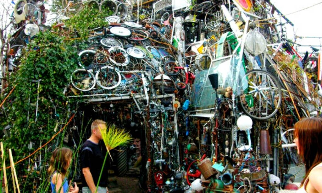 Cathedrale Of Junk , Austin