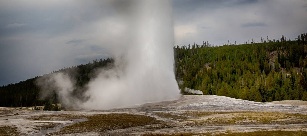 Old Faithful dans le parc national de Yellowstone, Wyoming
