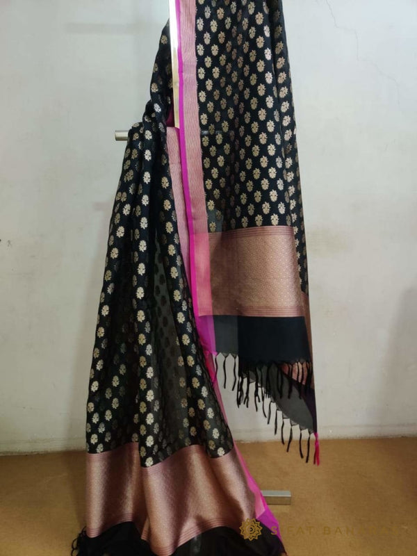 Handwoven Silk Georgette Dupatta With Contrast Pallu And Border