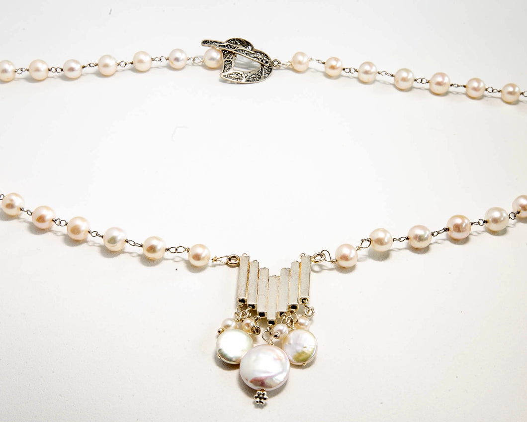 Fresh Water Pearl Pendant with Heart Clasp
