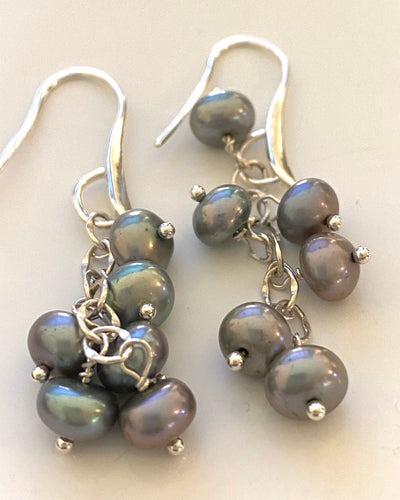 Fresh water grey pearl earrings on sterling silver from Pretaporterjewels.com. Jewellery that invites compliments!