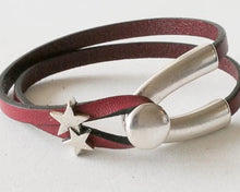 Load image into Gallery viewer, Leather Bracelet with wishbone hook and star charms
