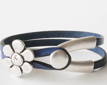 Leather bracelet with wishbone hook and flower charm