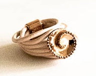 Load image into Gallery viewer, Blush colour leather ring with rose and pearl accent