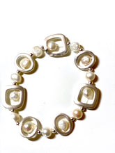 Load image into Gallery viewer, Fresh Water Pearl Bracelet