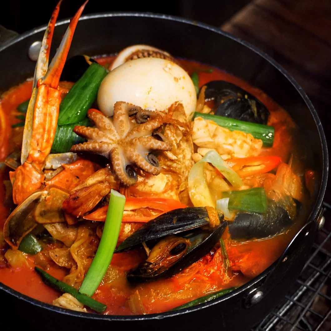 Spicy Mixed Seafood Soup 해물 짬봉탕