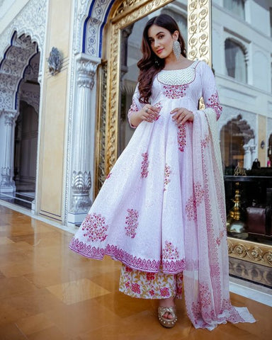 BUBBLEGUM PINK COLOUR DESIGN AND BORDER WHITE COLOUR ROUNDER KURTI WITH PRINTED PLAZZO AND PRINTED CHIFFON DUPATTA
