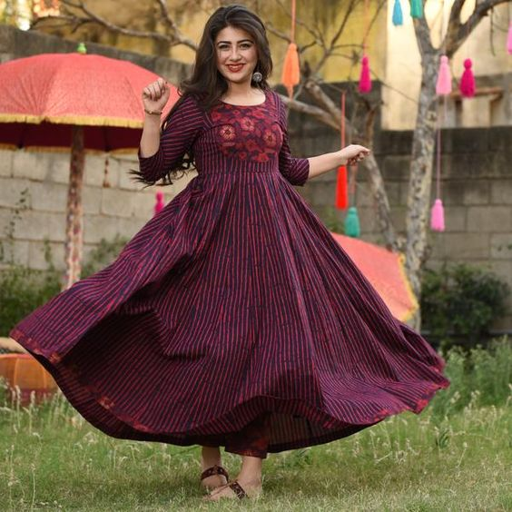 MULMUL SOFT COTTON MAROON AND WINE PURPLE COLOUR PRINTED NECK DESIGN WITH LACE GOWN
