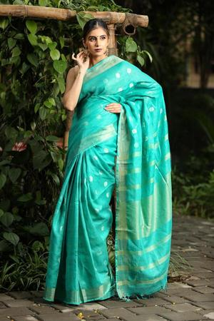 Dark Green Handwoven Linen Saree with Zari Border With Blouse