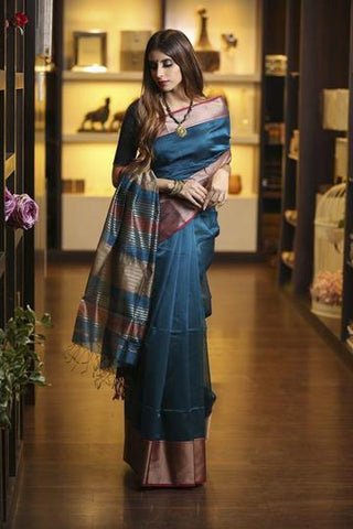 Fantastic Blue Shade Handwoven Maheshwari Saree with Blouse