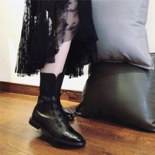 Load image into Gallery viewer, Vintage Mid Calf Boots