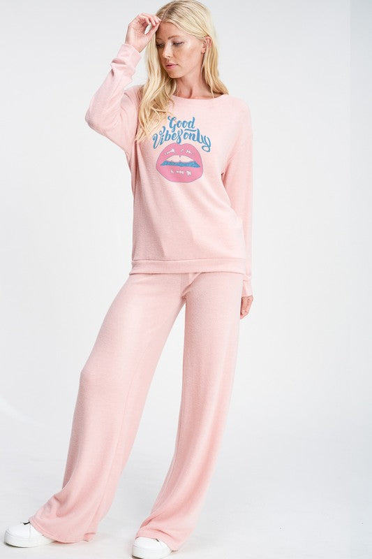 Good Vibes Lips Loungewear Set Pink