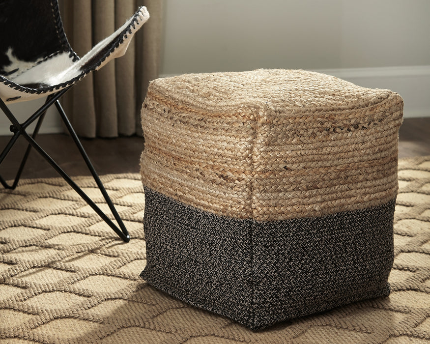 Sweed Valley Signature Design by Ashley Pouf