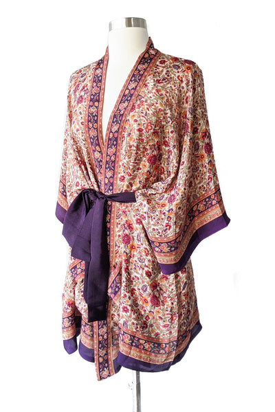 Small Florals Cream Purple Robe, Short