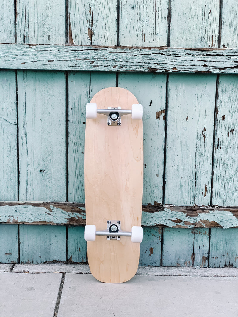 The Old school skateboard (with white wheels)