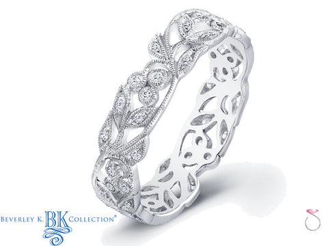 Floral Milgrain Diamond Wedding Band in 18K