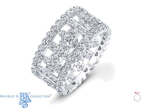 Fleur de Lis Diamond Wedding Band 0.77ct in 18K