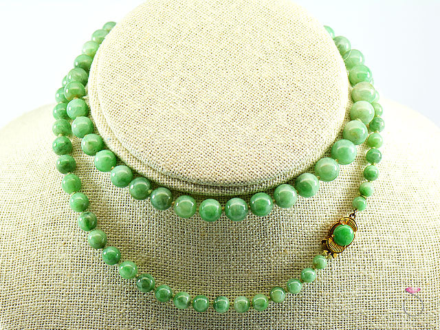 NATURAL GREEN JADE GRADUATED BEAD NECKLACE 25 INCHES W/ JADE & 14K GOLD CLASP