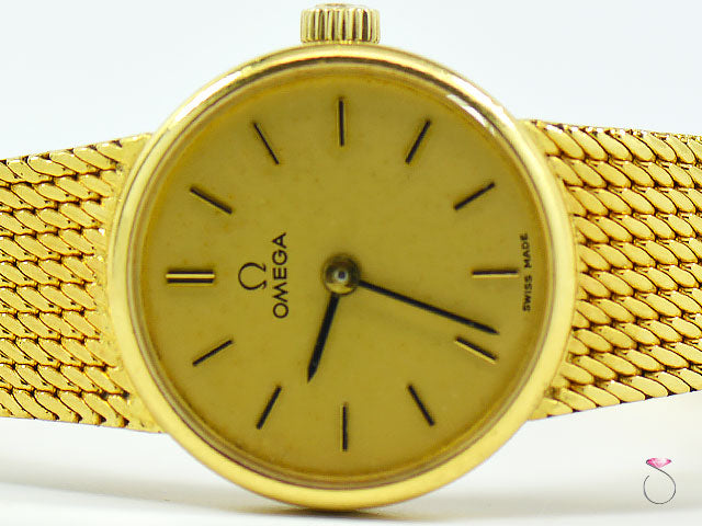 VINTAGE OMEGA 18K YELLOW GOLD LADIES WATCH 711.7280