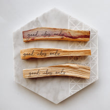 Load image into Gallery viewer, Palo Santo Smudge Sticks
