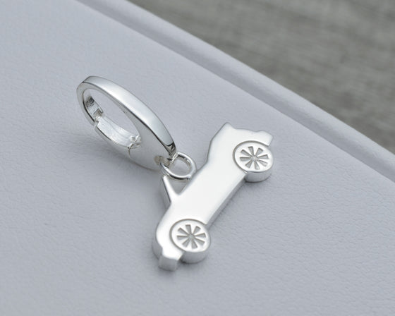 CAR CHARM IN STERLING SILVER