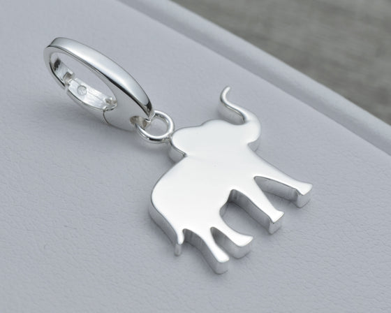 ELEPHANT CHARM IN STERLING SILVER