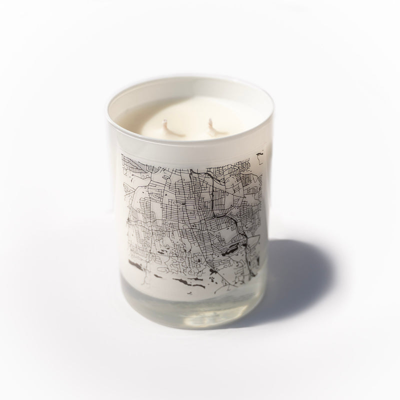Noah's Hearth | Coconut-Soy Candle (A Noah Webster House Exclusive)