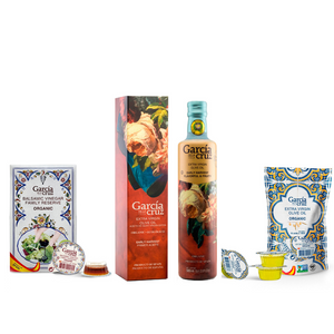 Load image into Gallery viewer, Gift Set- Early Harvest Organic Extra Virgin Olive Oil 16 Fl Oz and bag of Individual Servings 0.34 Fl Oz x 10 units of Master Miller Coupage EVOO and Balsamic Vinegar